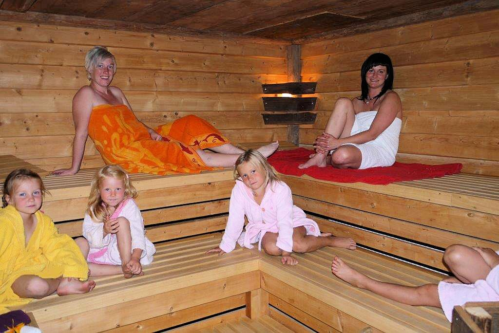 sauna in wittgendorf bei zittau. Black Bedroom Furniture Sets. Home Design Ideas